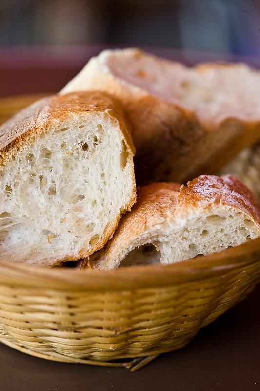 Во сне умерший угощает хлебом